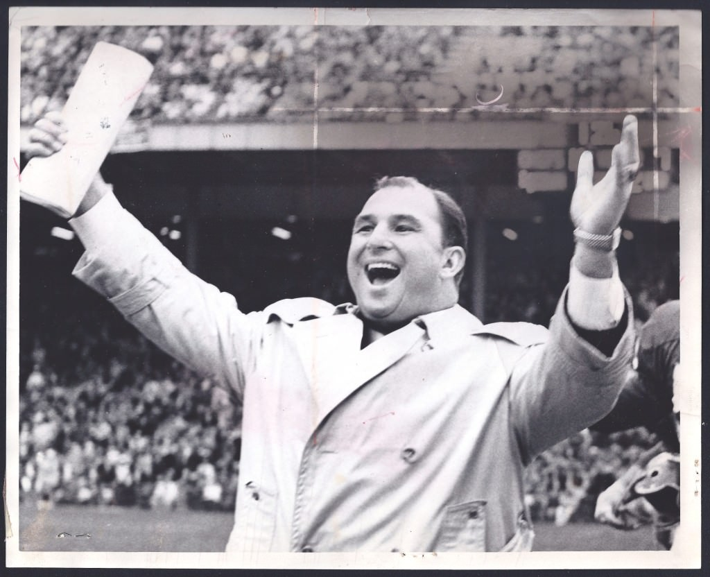 Coach Hank Stram (1923-2005), Dallas Texans/Kansas City Chiefs (1960-1977)