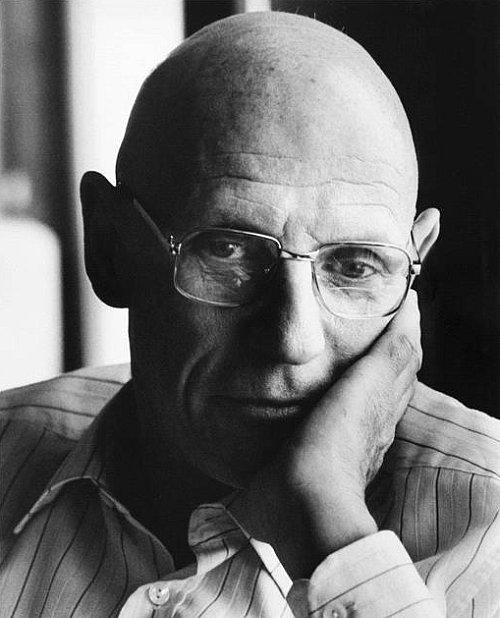 Paul Michel Foucault (1926-1984), philosophe français, chez lui. Paris, avril 1984.